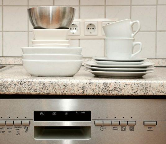 Bulaşık Makinesi Bulaşıkların Desenlerin Solduruyor ve Çıkartıyor